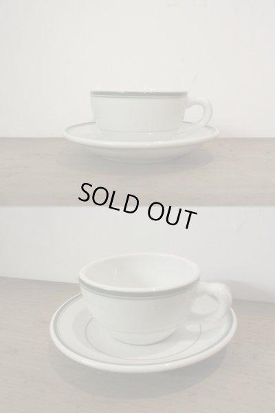 画像2: 古いぽってりとしたカップ&ソーサー