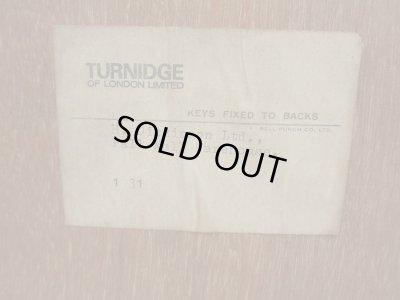 画像5: ヴィンテージ チーク材ガラスキャビネット 飾り棚 TURNIDGE OF LONDON