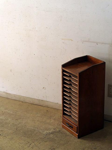 画像1: アンティーク 木味良い 引き出し付きカルテケース 書類棚 (2)