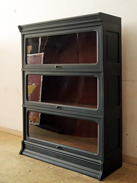 画像1: アンティーク 黒く塗られた スライド扉のガラス本箱